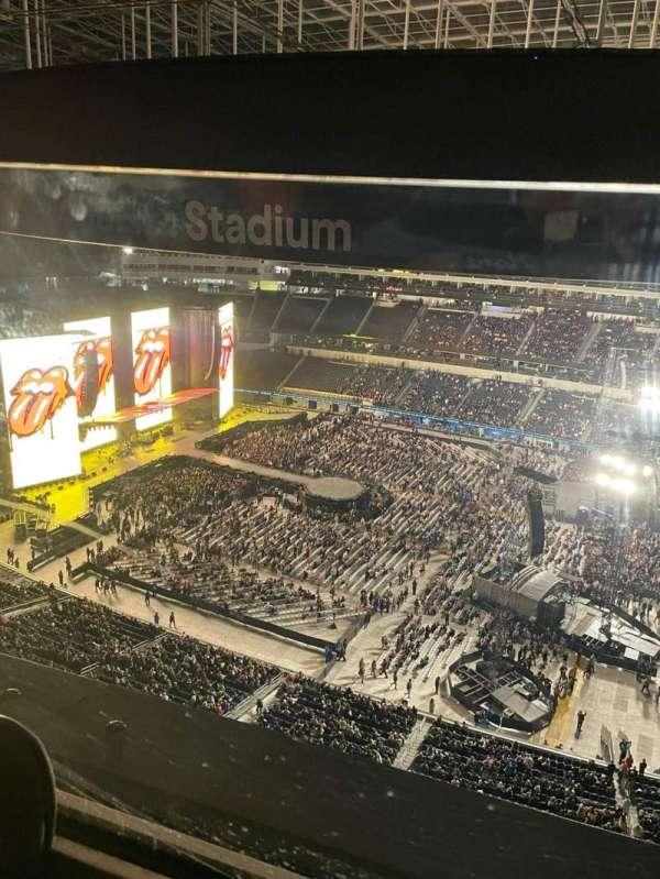 SoFi Stadium, section: 418, row: 1, seat: 4