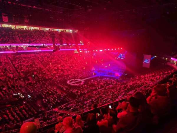 T-Mobile Arena, section: 220, row: G, seat: 8