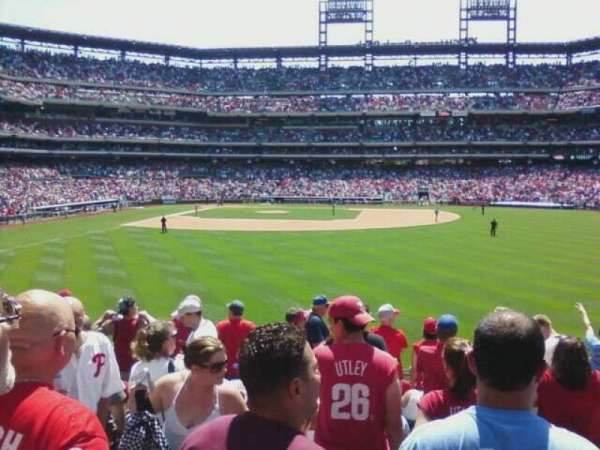 Citizens Bank Park, section: 104, row: 11, seat: 3