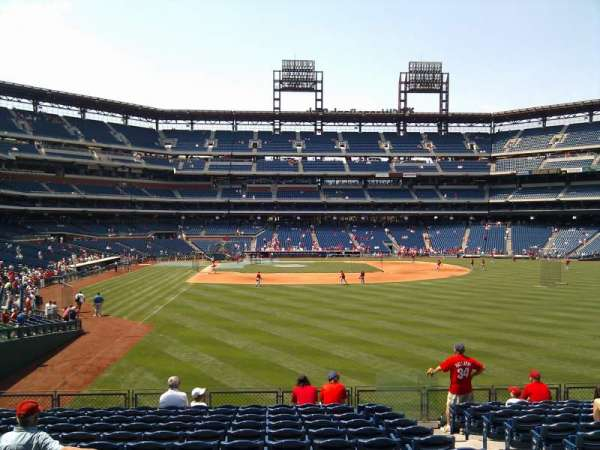 Citizens Bank Park, section: 106, row: 14, seat: 4