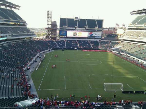 Lincoln Financial Field, section: M10, row: 19, seat: 21