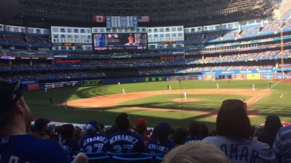 Rogers Centre, section: 124r, row: 31, seat: 9