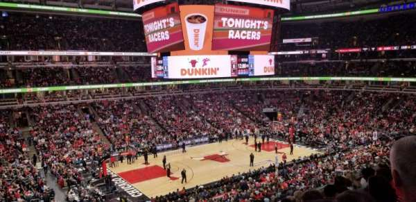 United Center, section: 220, row: 7, seat: 10