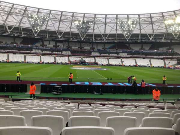 London Stadium, section: 135, row: 14, seat: 274