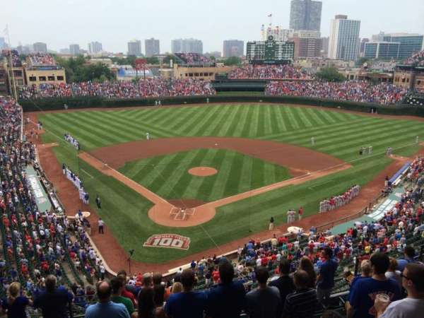 Wrigley Field, section: 422, row: 10, seat: 1