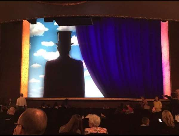 Lunt-Fontanne Theatre, section: Orchestra C, row: T , seat: 109