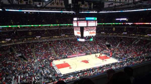 United Center, section: 320, row: C, seat: 4