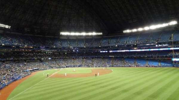 Rogers Centre, section: 205R, row: 21, seat: 32