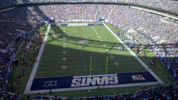 MetLife Stadium, section: 327, row: 21, seat: 6