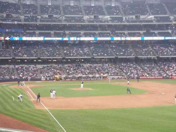 Miller Park, section: 206, row: 1, seat: 4