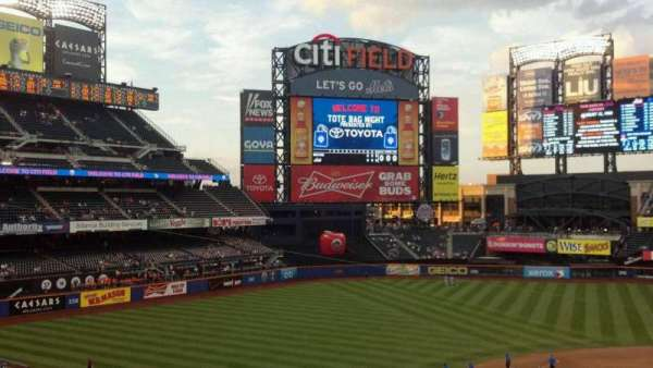 Citi Field, section: 326, row: 1, seat: 14