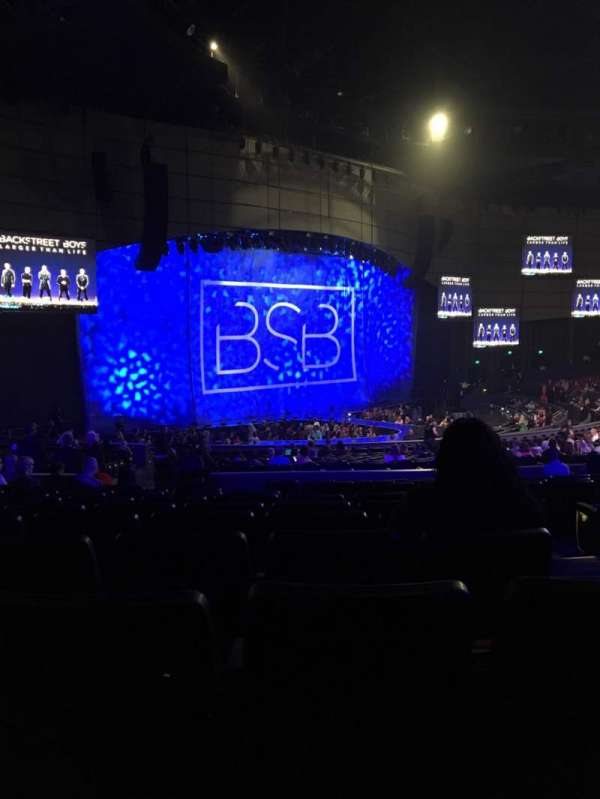 Zappos Theater, section: 208, row: M, seat: 2