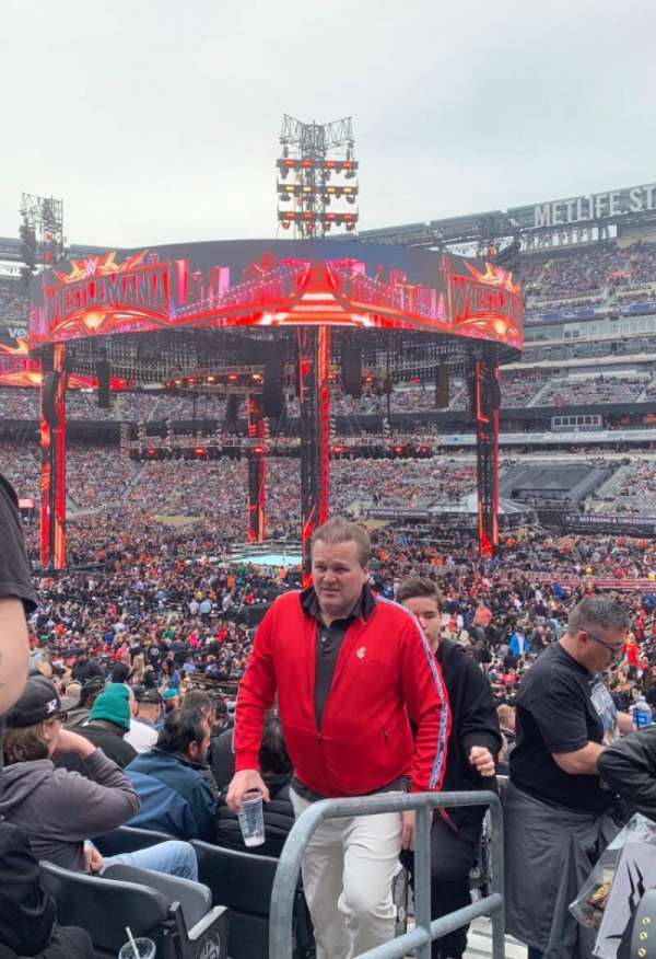 MetLife Stadium, section: 106, row: 22