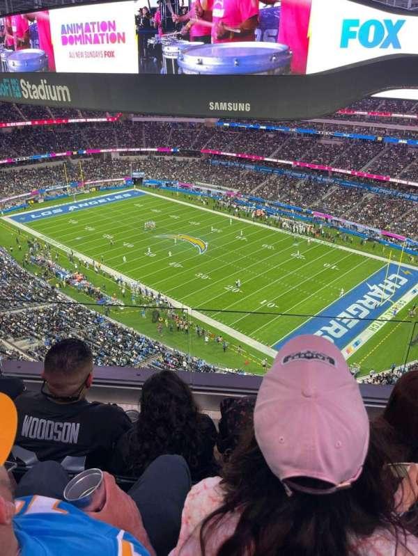 SoFi Stadium, section: 422, row: 3, seat: 12