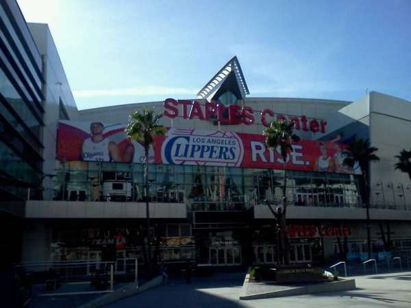 Staples Center, section: Star Plaza Entry