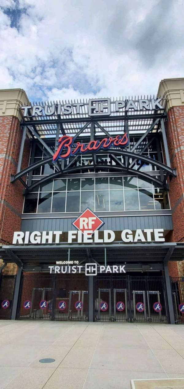 Truist Park, section: Right Field Gate
