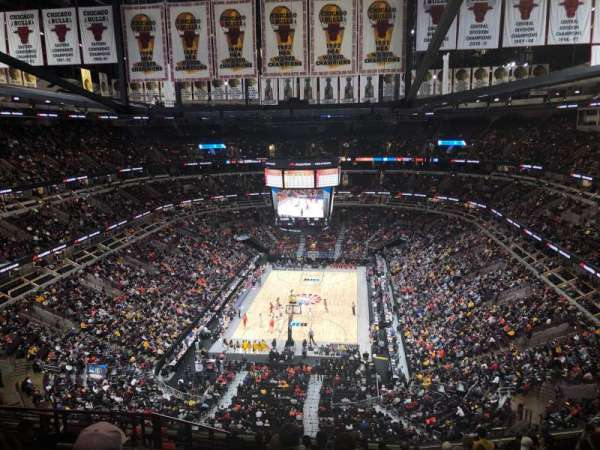 United Center, section: 325, row: 13, seat: 17