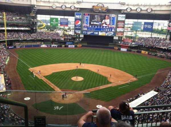 Miller Park, section: 419, row: 4, seat: 13