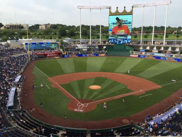 Kauffman Stadium, section: 422, row: H, seat: 2