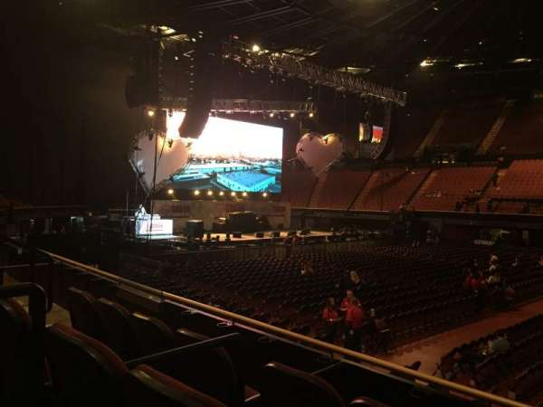 The Forum, section: 129, row: 3