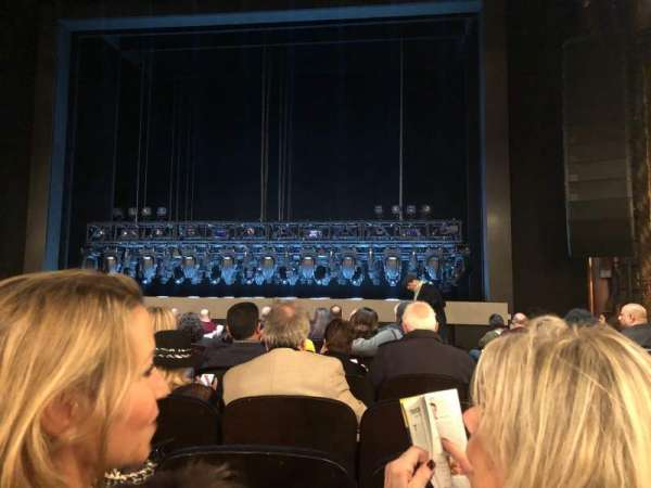 Lunt-Fontanne Theatre, section: Orchestra R, row: G, seat: 10