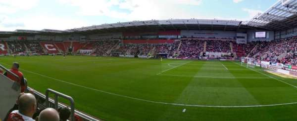 New York Stadium, section: ES2, row: D, seat: 39