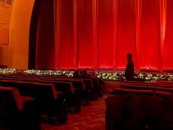 Radio City Music Hall, section: Orchestra 4, row: HH, seat: 413
