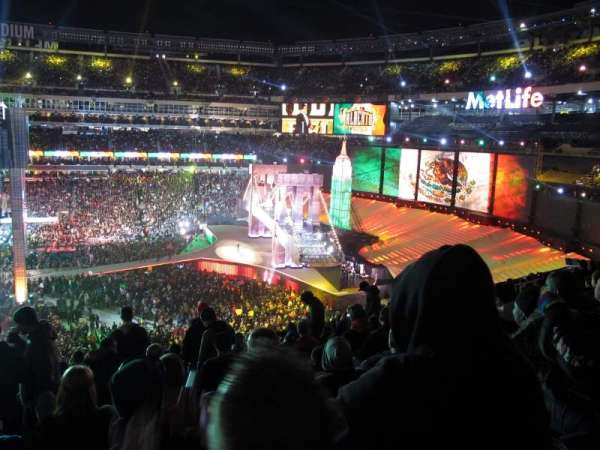 MetLife Stadium, section: 212, row: 11