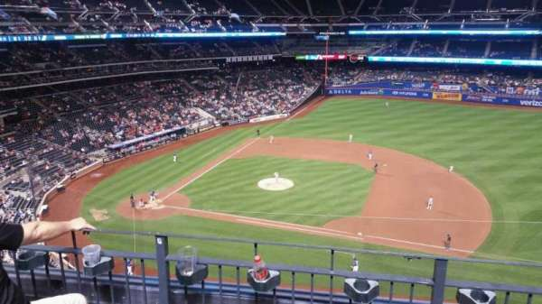 Citi Field, section: 407, row: 3, seat: 8