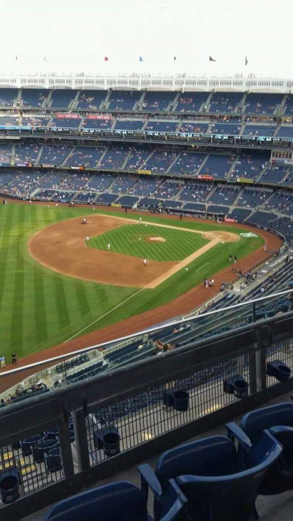 Yankee Stadium, section: 431a, row: 3, seat: 6