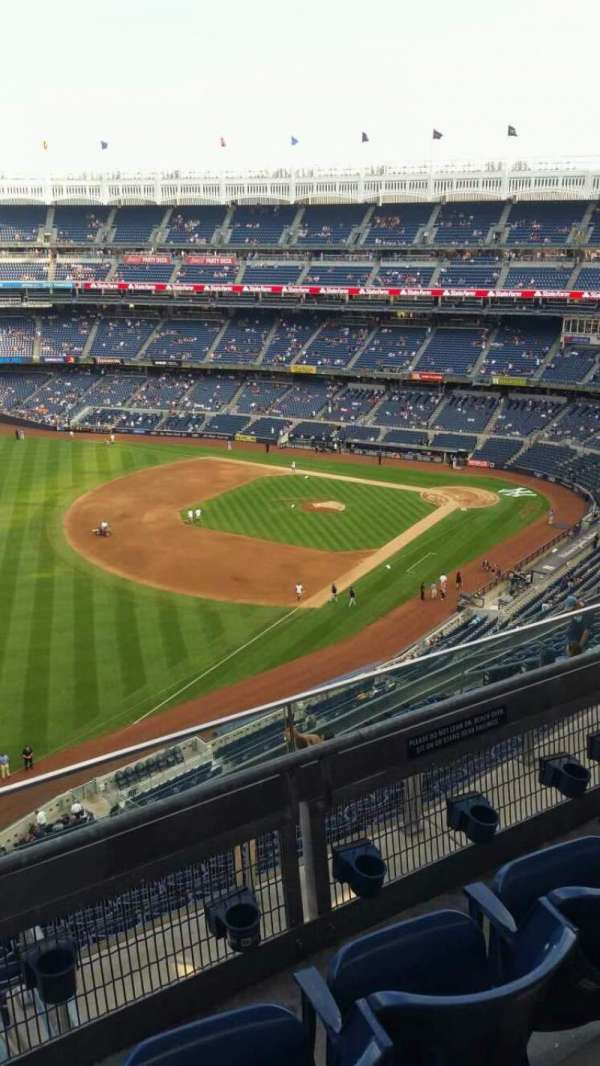 Yankee Stadium, section: 431a, row: 3, seat: 4