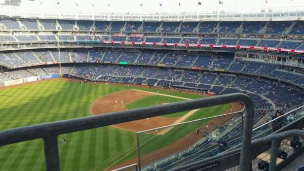 Yankee Stadium, section: 431a, row: 3, seat: 1
