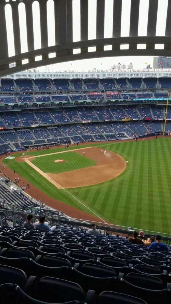 Yankee Stadium, section: 409, row: 14, seat: 14