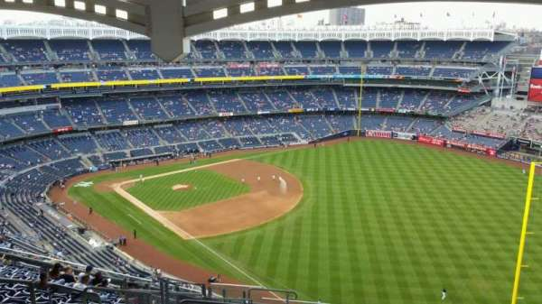 Yankee Stadium, section: 409, row: 14, seat: 21