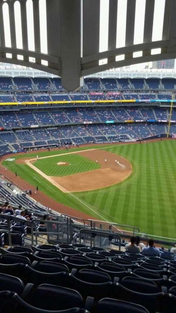 Yankee Stadium, section: 409, row: 14, seat: 22