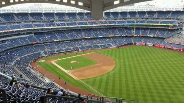 Yankee Stadium, section: 409, row: 14, seat: 25
