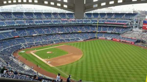 Yankee Stadium, section: 409, row: 14, seat: 27