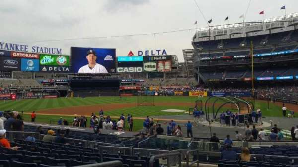 Yankee Stadium, section: 121B, row: 10, seat: 13
