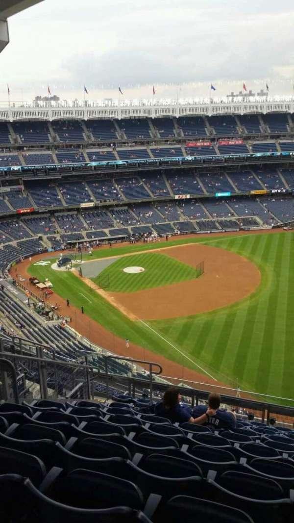 Yankee Stadium, section: 409, row: 11, seat: 14