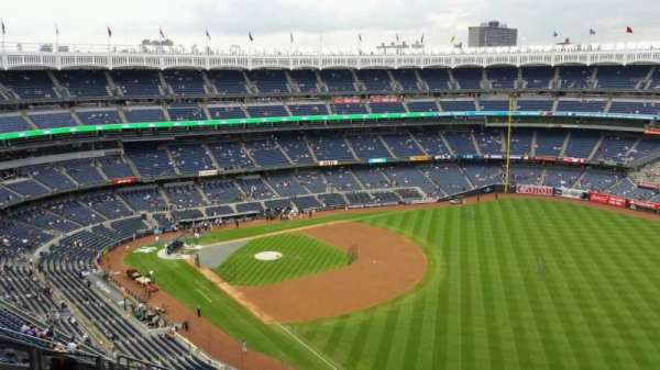Yankee Stadium, section: 409, row: 11, seat: 15