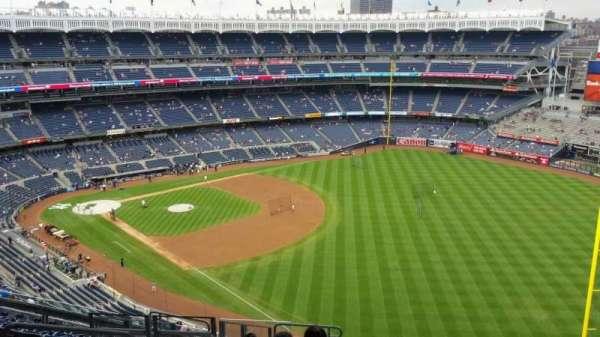 Yankee Stadium, section: 409, row: 12, seat: 20
