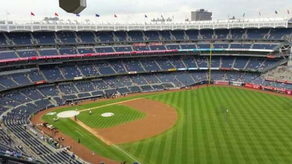 Yankee Stadium, section: 409, row: 12, seat: 18