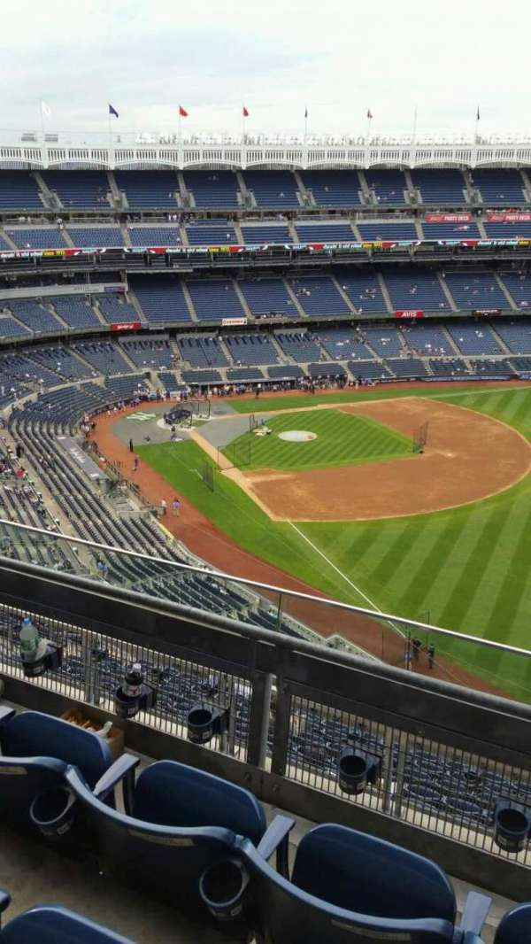 Yankee Stadium, section: 409, row: 3, seat: 3