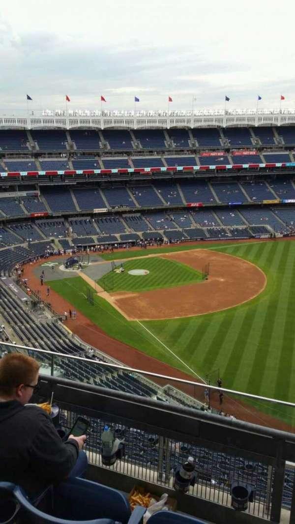 Yankee Stadium, section: 409, row: 3, seat: 5