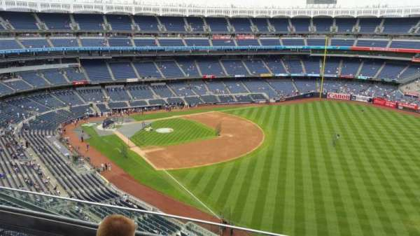Yankee Stadium, section: 409, row: 3, seat: 6