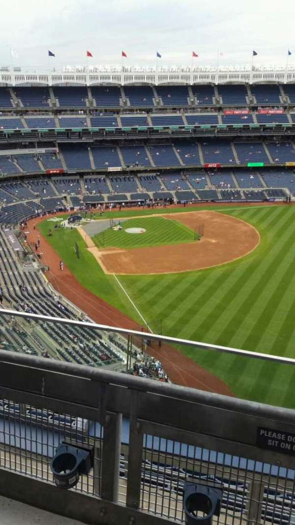 Yankee Stadium, section: 408, row: 2, seat: 1