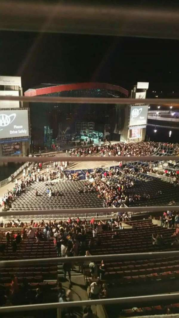 Jones Beach Theater, section: 26, row: A, seat: 8