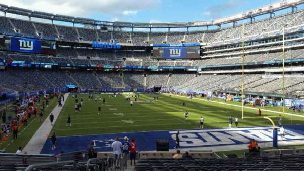MetLife Stadium, section: 128, row: 21, seat: 27