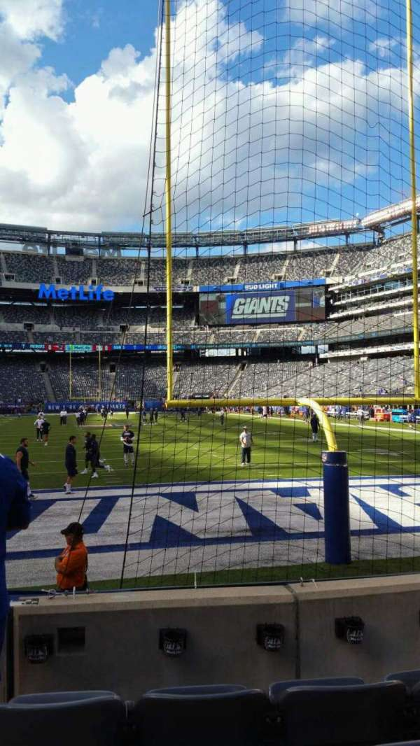 MetLife Stadium, section: 126, row: 4, seat: 22