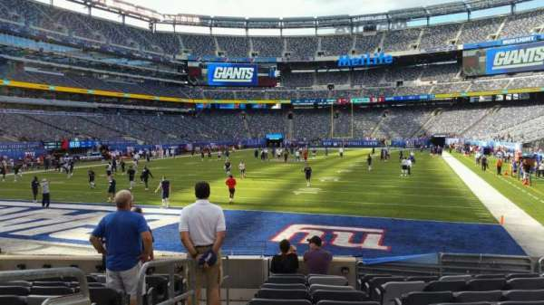 MetLife Stadium, section: 123, row: 10, seat: 23